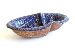 Small Peanut VI by Emil Yanos. (Stoneware Ceramic Vessel)
