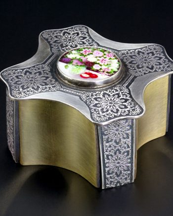 Chinoiserie 8-Sided Box. Art Jewelry by Carol Salisbury